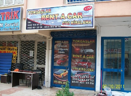 Tokdaşlar rent a car tabelası